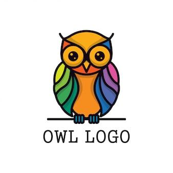 Modèle de conception de logo vectoriel complet hibou couleur
