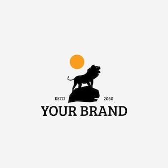 Modèle de conception de logo vintage lion de nuit
