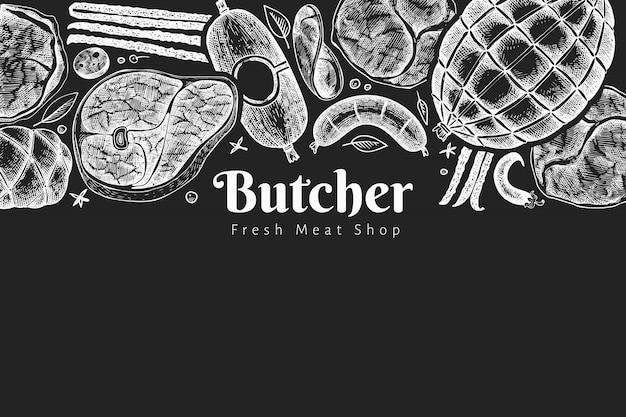 Modèle de conception de produits de viande vintage. jambon, saucisses, jambon, épices et herbes dessinés à la main. illustration rétro à bord de la craie. peut être utilisé pour le menu du restaurant.