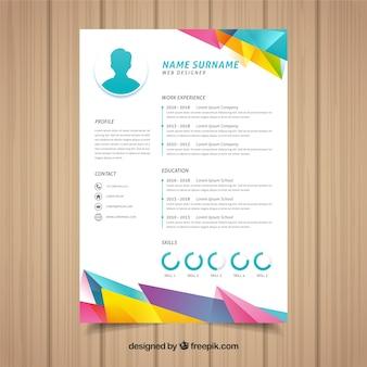 Modèle de curriculum coloré avec un design géométrique