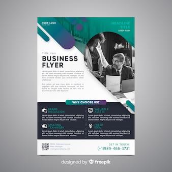 Modèle de dépliant d'affaires avec photo