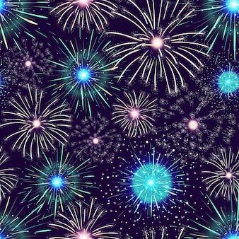 Modèle avec des feux d'artifice colorés spectaculaires affichés dans le ciel nocturne sombre.