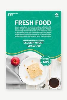 Modèle de flyer alimentaire bio et sain avec photo