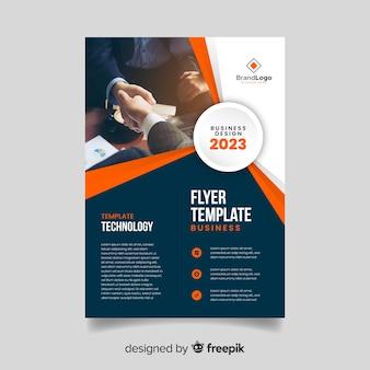 Modèle de flyer commercial avec photo