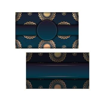Modèle de flyer avec dégradé de couleur bleu avec ornement mandala en or préparé pour la typographie.