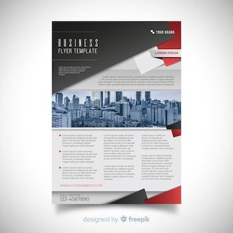 Modèle de flyer d'entreprise moderne avec un design abstrait