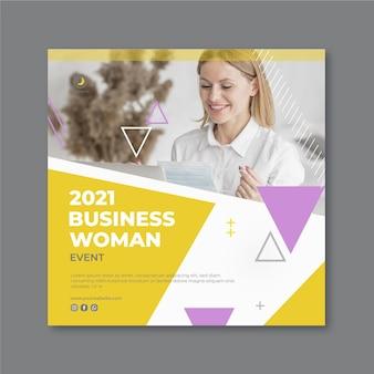 Modèle de flyer de femme d & # 39; affaires au carré