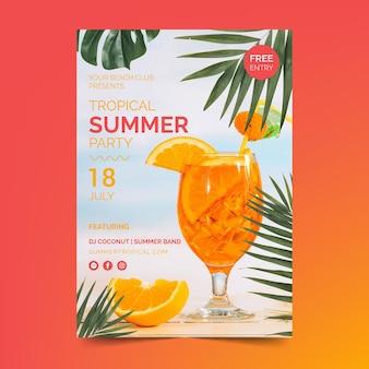 Modèle de flyer de fête d'été avec cocktail
