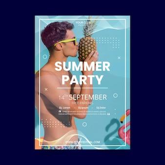 Modèle de flyer de fête d'été avec homme et ananas