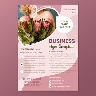 Modèle de flyer de magasin de fleurs plat a5