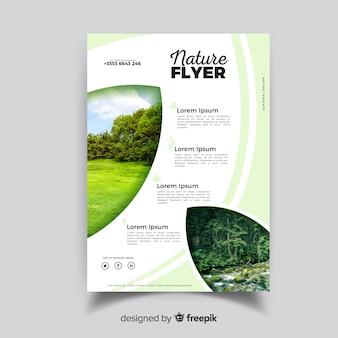 Modèle de flyer nature avec un design moderne
