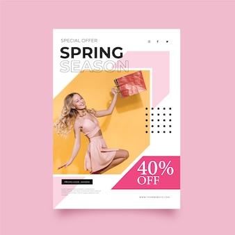 Modèle de flyer avec vente de printemps photo