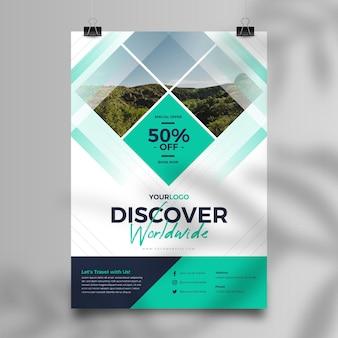 Modèle de flyer de vente de voyage abstrait avec photo