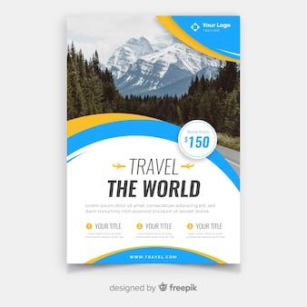 Modèle de flyer de voyage avec image