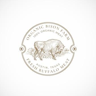 Modèle d'insigne ou de logo rétro encadré de ferme de bison biologique