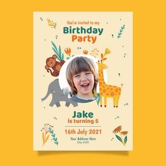 Modèle d'invitation d'anniversaire animaux dessinés à la main