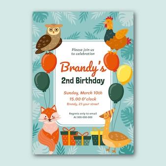 Modèle d'invitation d'anniversaire d'animaux sauvages dessinés à la main