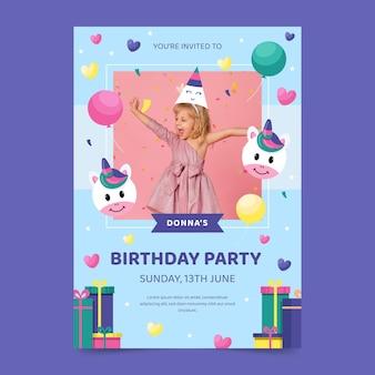 Modèle d'invitation d'anniversaire vertical licorne plate avec photo