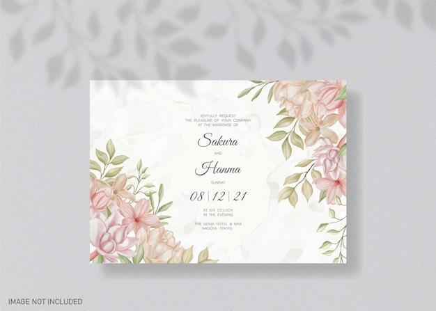 Modèle d'invitation de mariage floral avec des fleurs à l'aquarelle