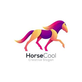 Modèle de logo d'animaux colorés dégradé cool cheval