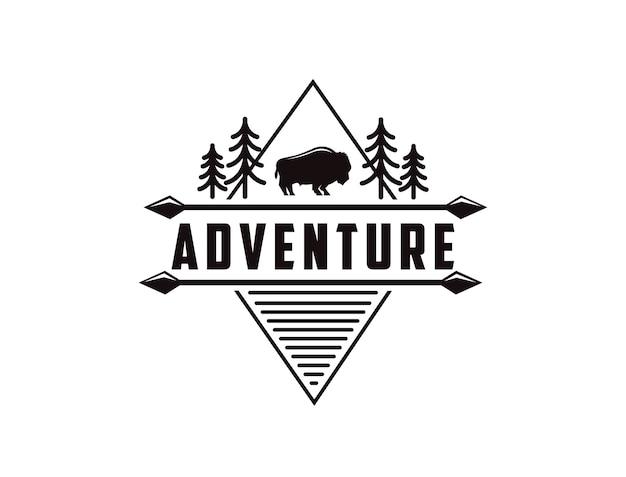 Modèle de logo d'aventure en plein air minimaliste