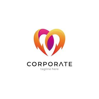 Modèle de logo de combinaison de coeur avec le tonnerre