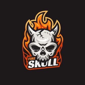 Modèle de logo esport feu et crâne avec un style moderne