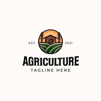 Modèle de logo de ferme agricole isolé en fond blanc