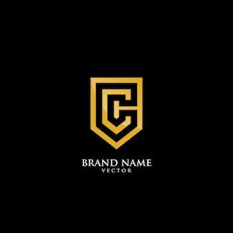 Modèle de logo lettre c isolée sur bouclier or