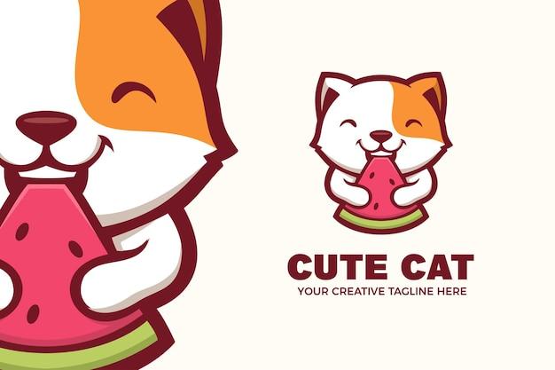 Modèle de logo de mascotte d'été de chat mange pastèque