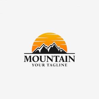Modèle de logo de montagne