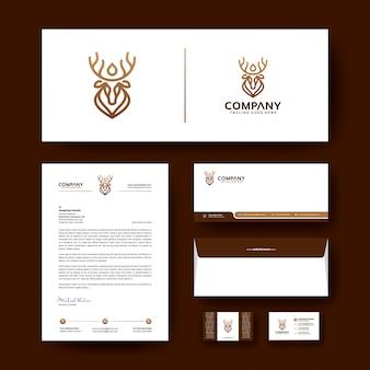 Modèle de papeterie d'entreprise avec le logo de luxe.