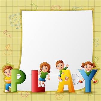 Modèle de papier avec des enfants dans le texte de jeu