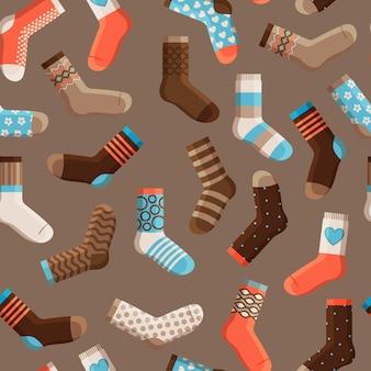 Modèle sans couture de chaussettes colorées enfants dessin animé