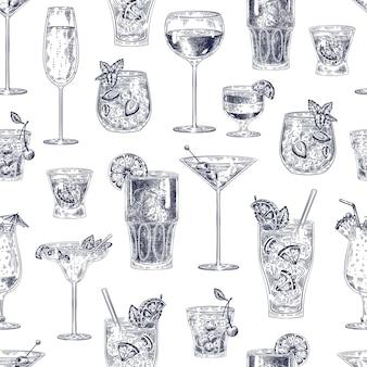 Modèle sans couture de cocktail. l'alcool dessiné à la main boit des cocktails avec différents verres et gobelets papier peint bar menu texture vectorielle vintage. esquissez la boisson comme cocktail de cerises, champagne, pina colada