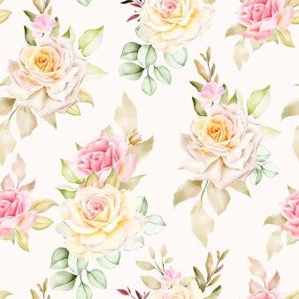 Modèle sans couture floral aquarelle dessiné à la main