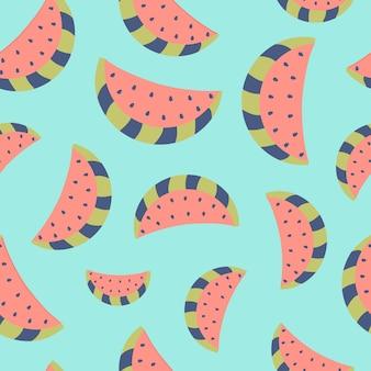 Modèle sans couture de tranches de pastèque sur fond noir. motif de pastèque. motif de fruits d'été coloré. illustration vectorielle. style plat