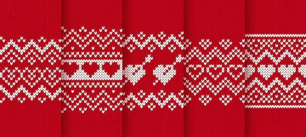 Modèle sans couture en tricot rouge avec coeurs.