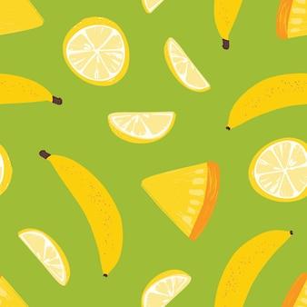 Modèle sans couture tropical avec des fruits juteux frais exotiques sur fond vert.