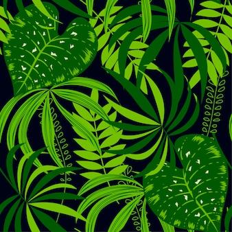 Modèle sans couture tropical avec des plantes dans les tons verts