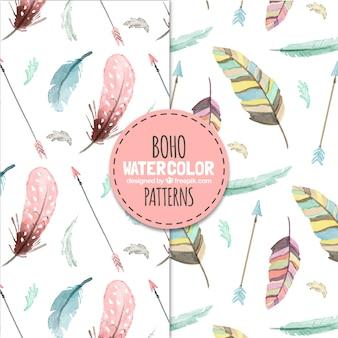 Modèles de boho avec des plumes d'aquarelle