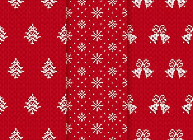 Modèles sans couture de noël. définir des arrière-plans rouges en tricot. illustration vectorielle.