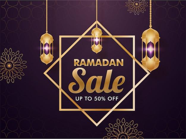 Mois sacré islamique du ramadan sale concept avec des lanternes dorées suspendues sur un motif floral décoré sur fond violet.
