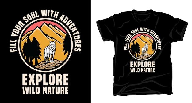 Montagne nature dessinée à la main et loup avec un design de t-shirt typographie