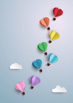 Montgolfière en forme de coeur.