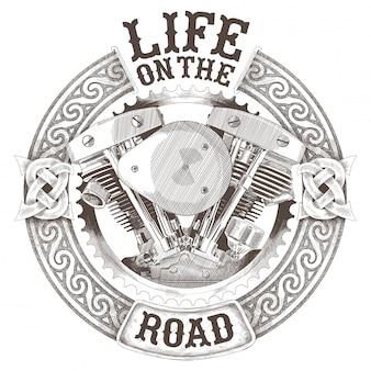 Moteurs de moto dans un ornement national celtique circulaire et l'inscription life on the road isolé sur fond blanc.