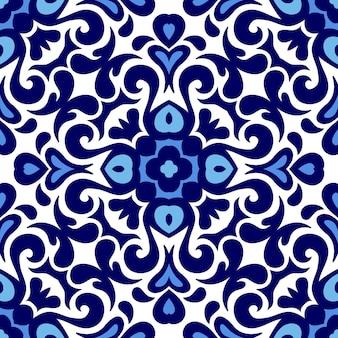 Motif en céramique bleu et blanc