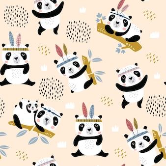 Motif enfantin sans couture avec pandas mignons dessinés à la main.