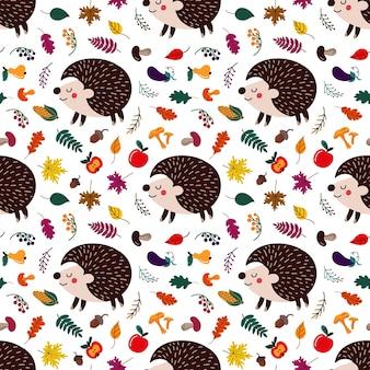 Motif de hérissons de dessin animé mignon parmi les feuilles d'automne et les fruits aux champignons sur fond blanc