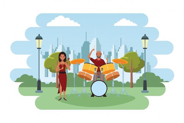 Musicien jouant des maracas et des tambours